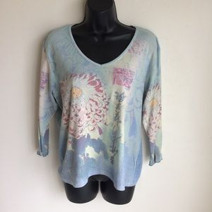 Graphic Top Floral Front W Crystals Accents Size L
